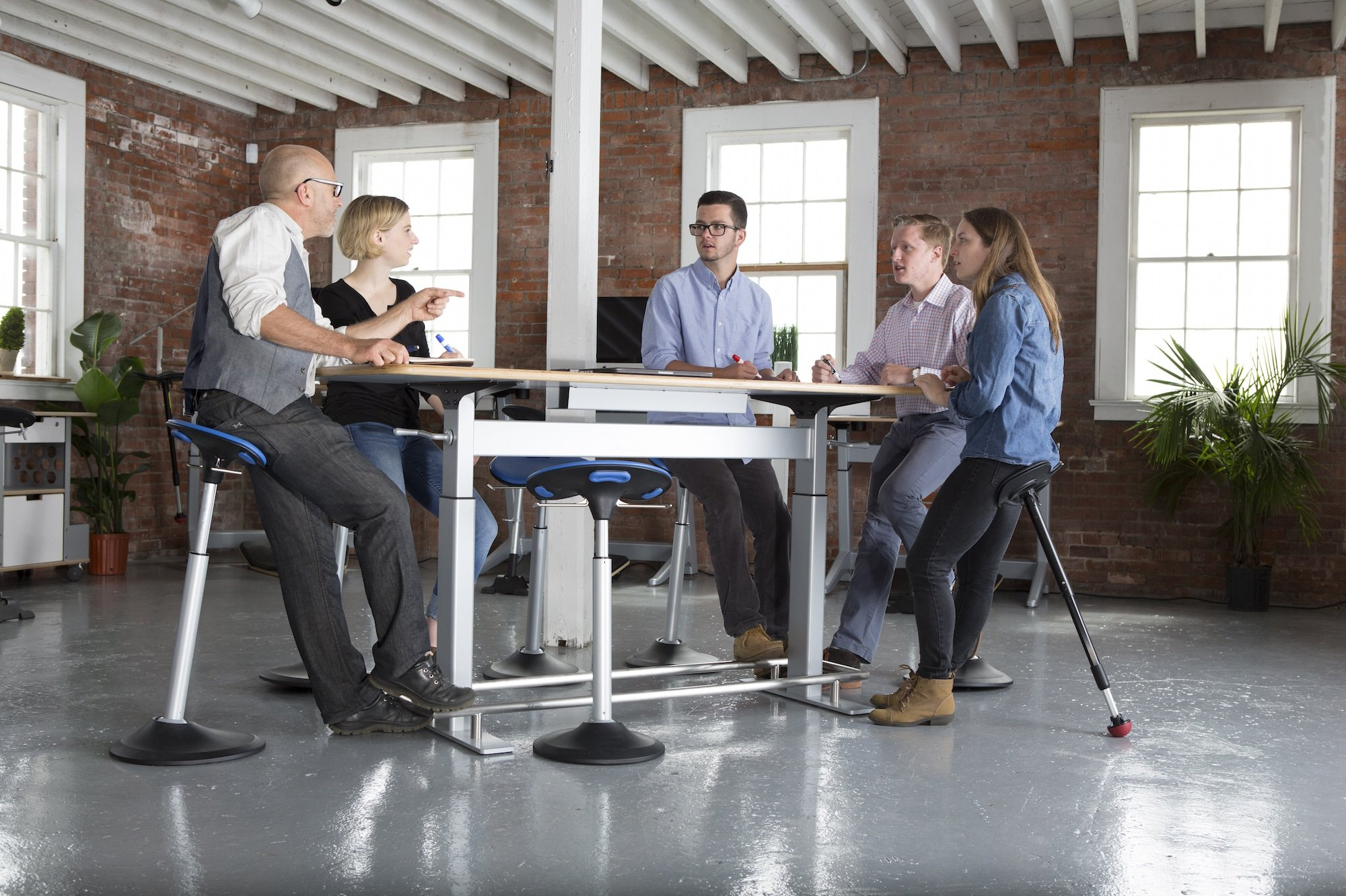 Focal Confluence Table Collaborative Office Interiors - Stand up conference table